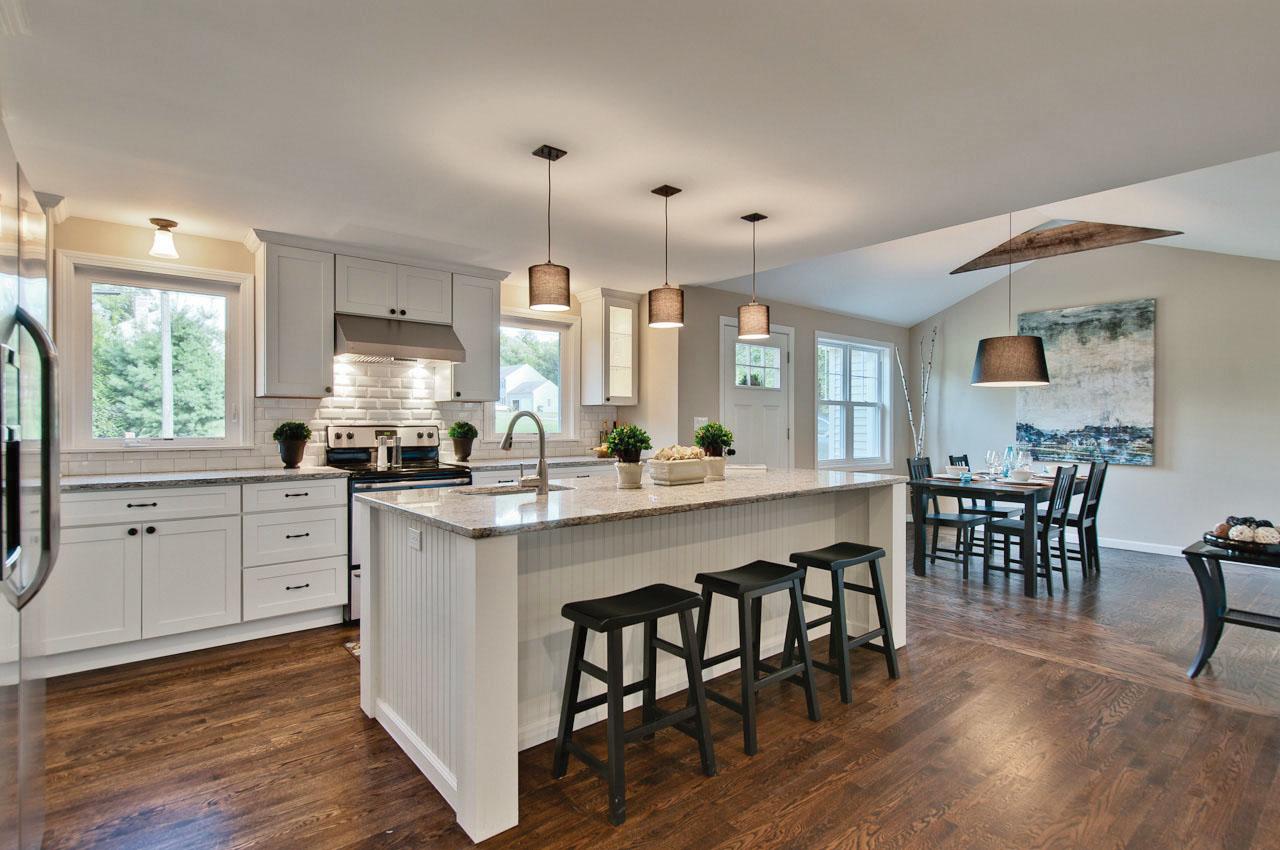 Kitchen-island designs Dayton-white-lacquered-Shaker-Cabinets-Oa-5725 ZTNFPZM