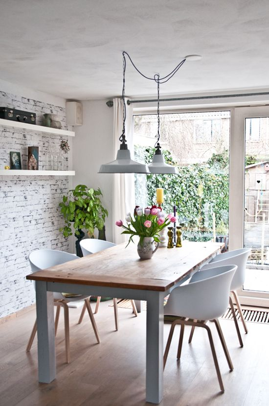 7 creative ideas for lighting the dining room |  Industrial dining room.