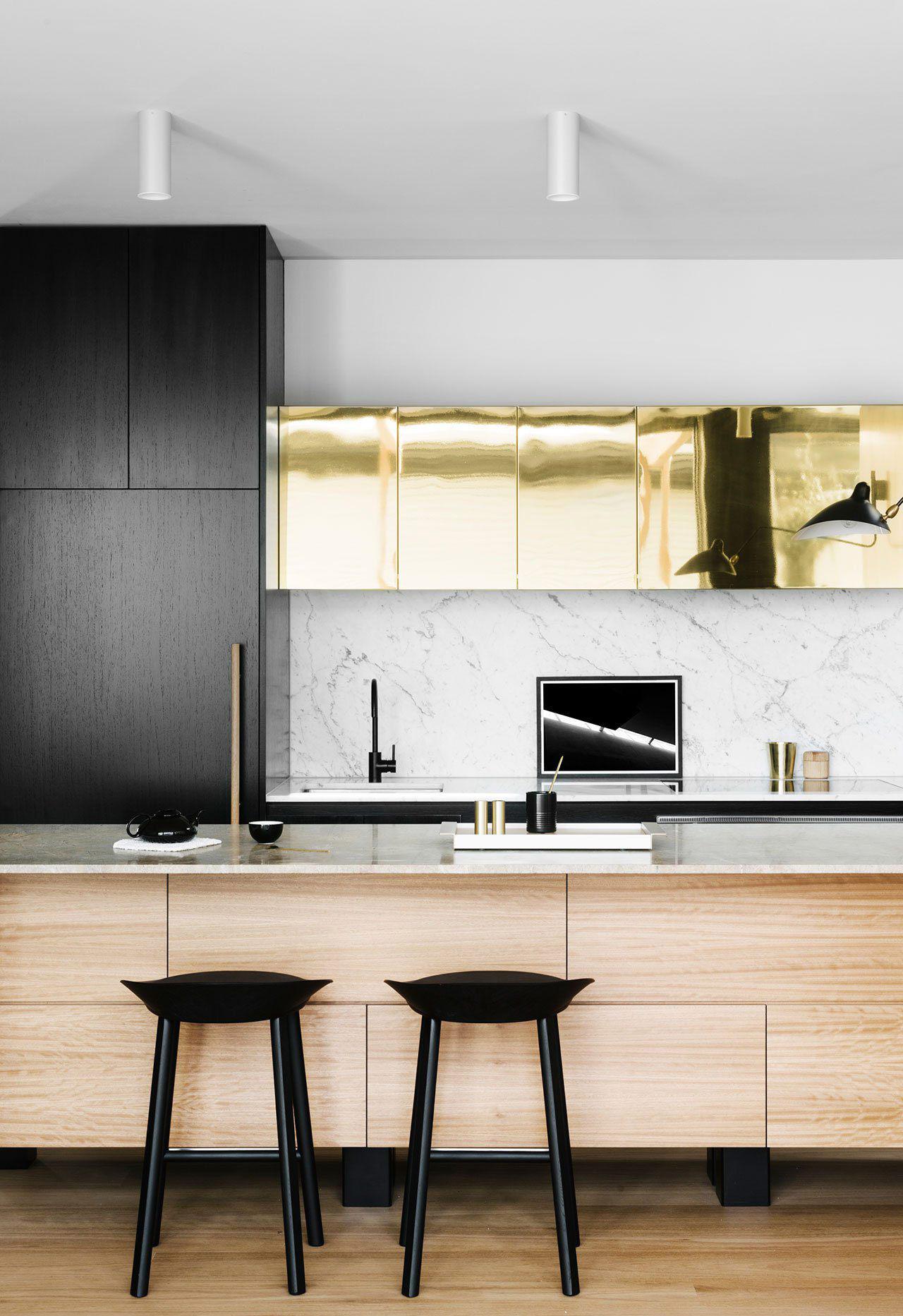 Kitchen Trends Emily Henderson Design Trends 2018 Kitchen Black Lamp 04 HZVJOMZ