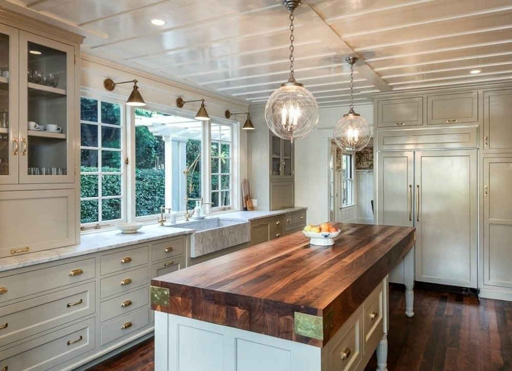 Kitchen Trends Trend reports claim this is the year for metal.  during this UVRGYFW