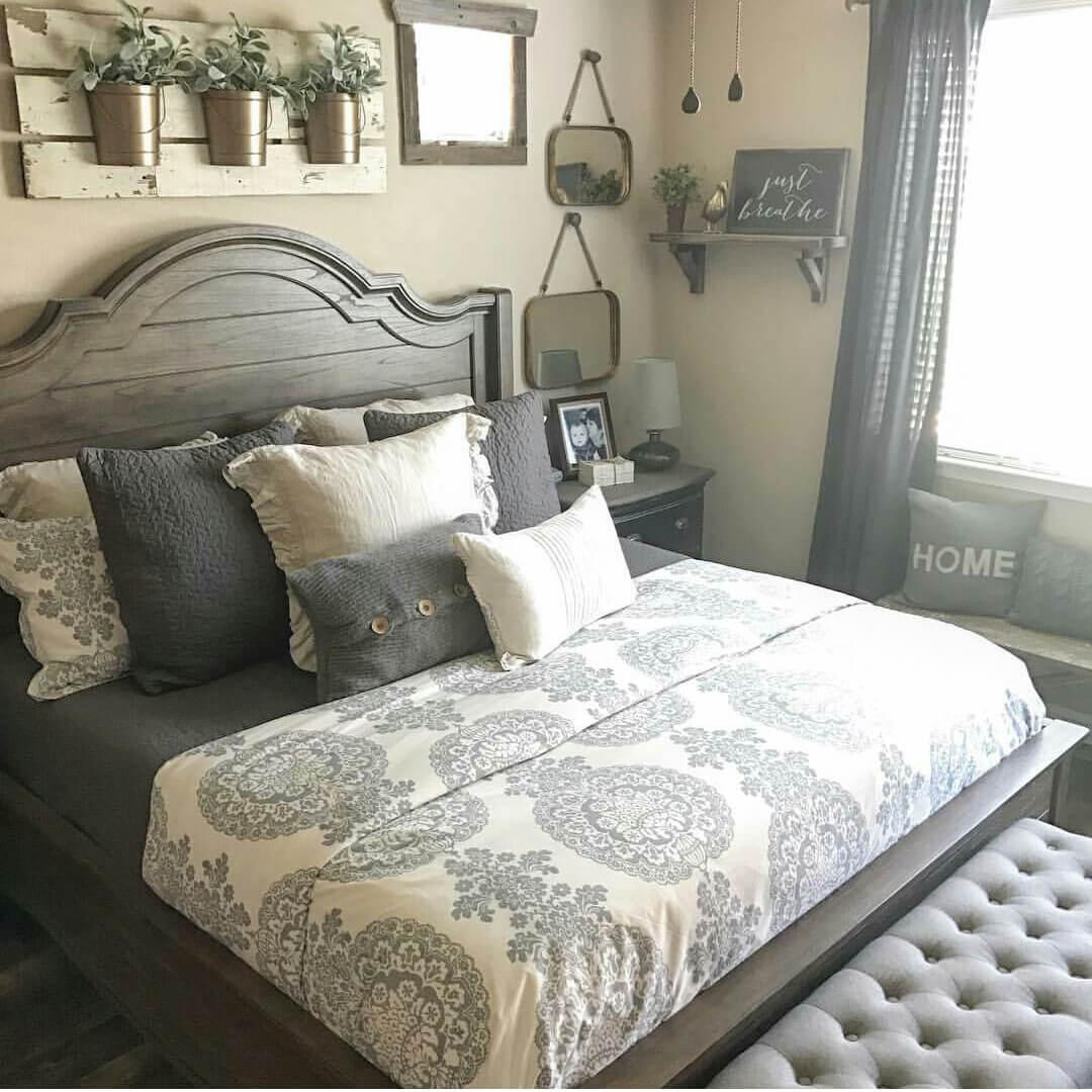 Lady Gray Farmhouse Bedroom Furnishing Ideas LWADYMF