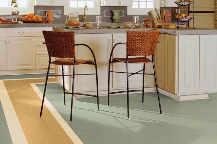 Linoleum floor in the kitchen GKZOATR