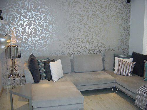 Elegant gray wallpaper living room    Living room with gray wallpaper.