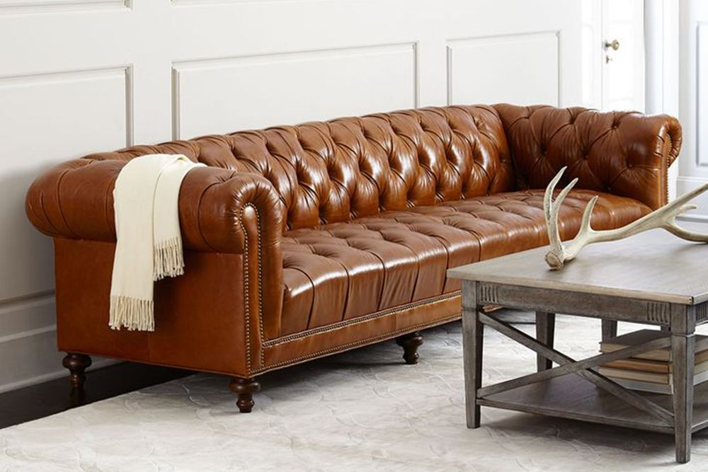 massoud davidson Chesterfield sofa with tufted seat PVWZGYU