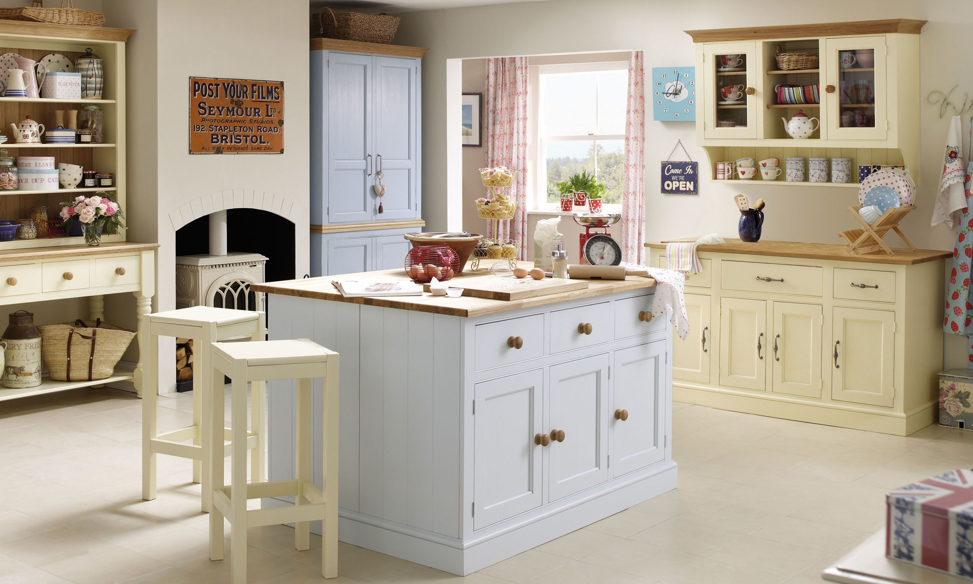 Millbrook Painted Furniture Collection - Country Kitchen UEWVCZC
