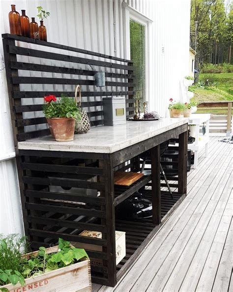 Outdoor Kitchen Island Ideas