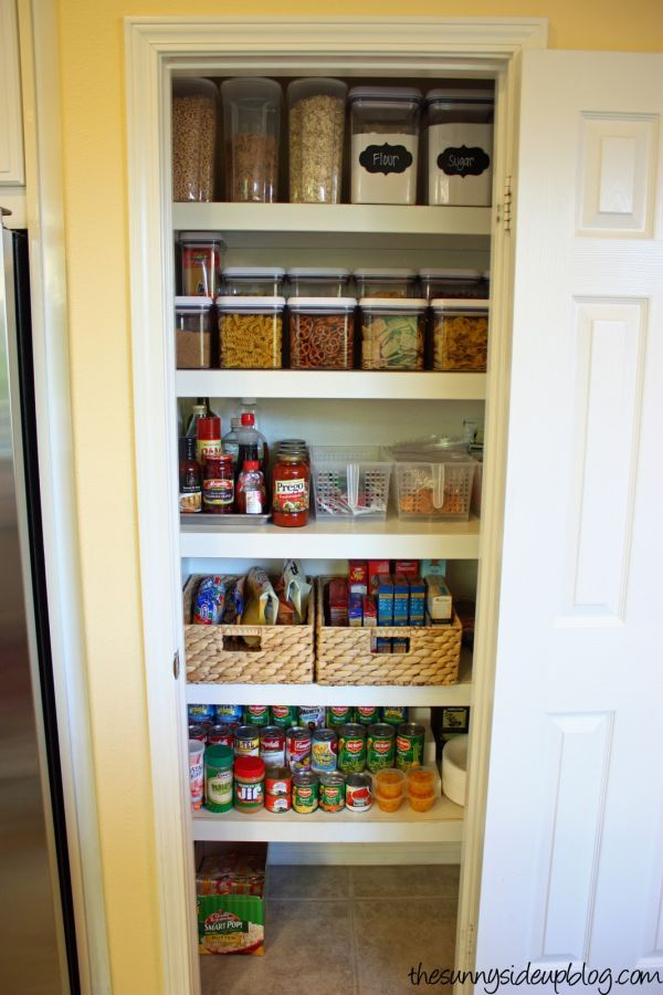 Pantry Organizations 15 ideas for organizing small pantries.  I love when these things are BWSPWPH