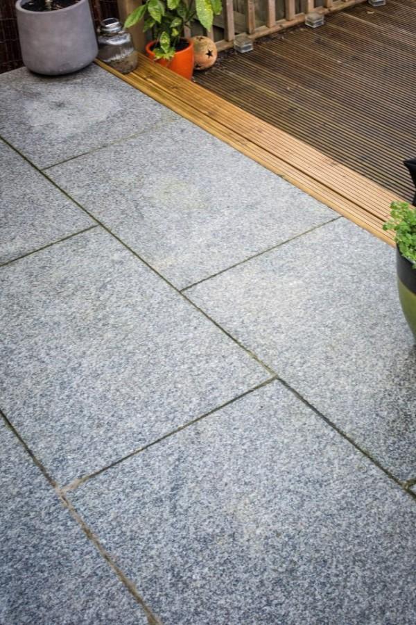 Terrace slabs silver-gray paving slabs for use on a terrace HVLVTSX