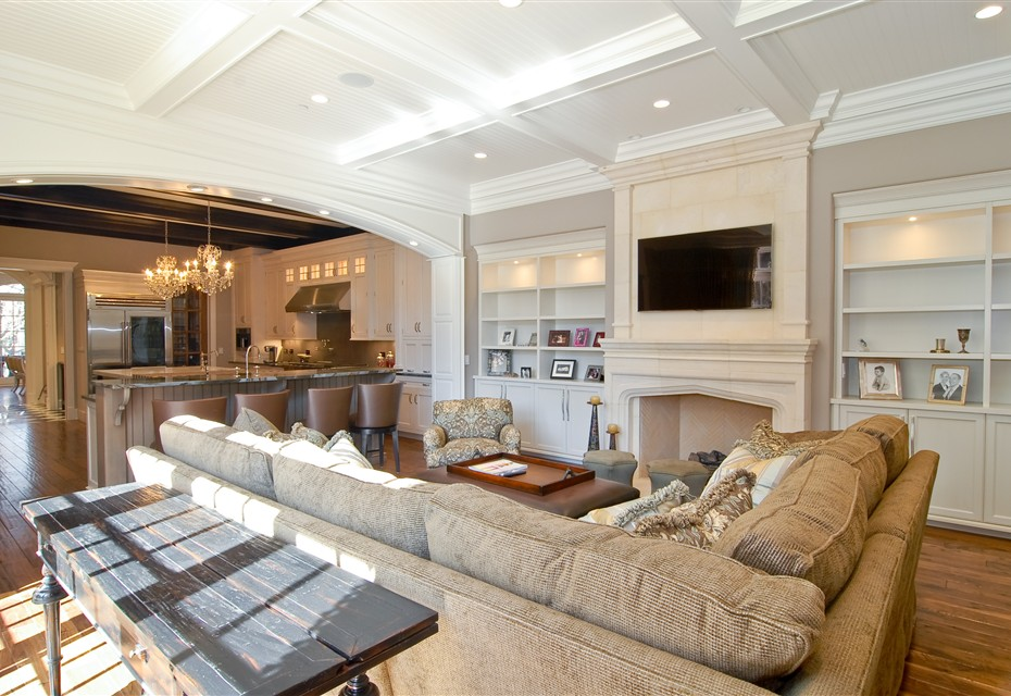 Photos of luxury family rooms and living rooms from Heritage Luxury KLBGBIZ