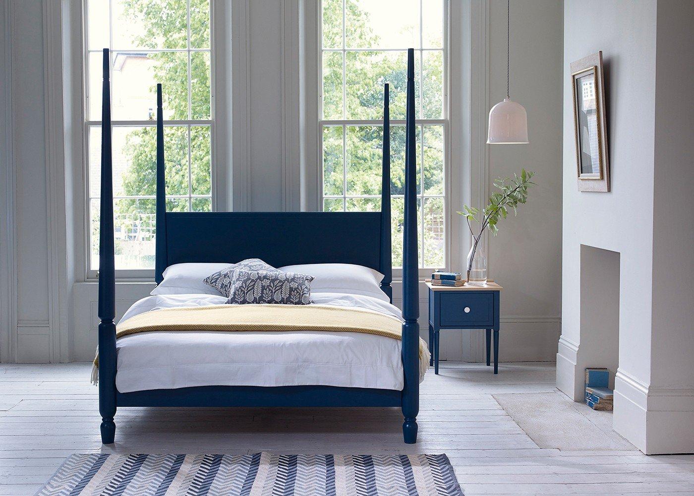 pinner four-poster bed blue MOILHRZ