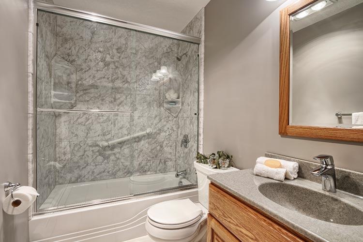 Bathroom Remodel One Day Bathtub Remodel XCNMZUO