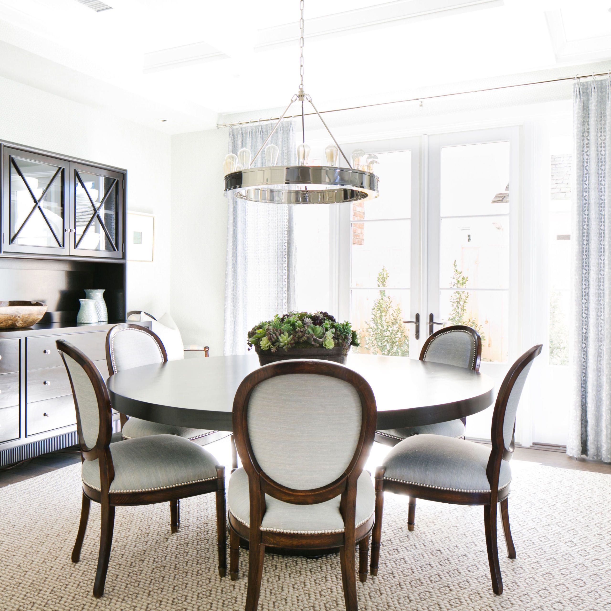 round dining table image NLFULDS