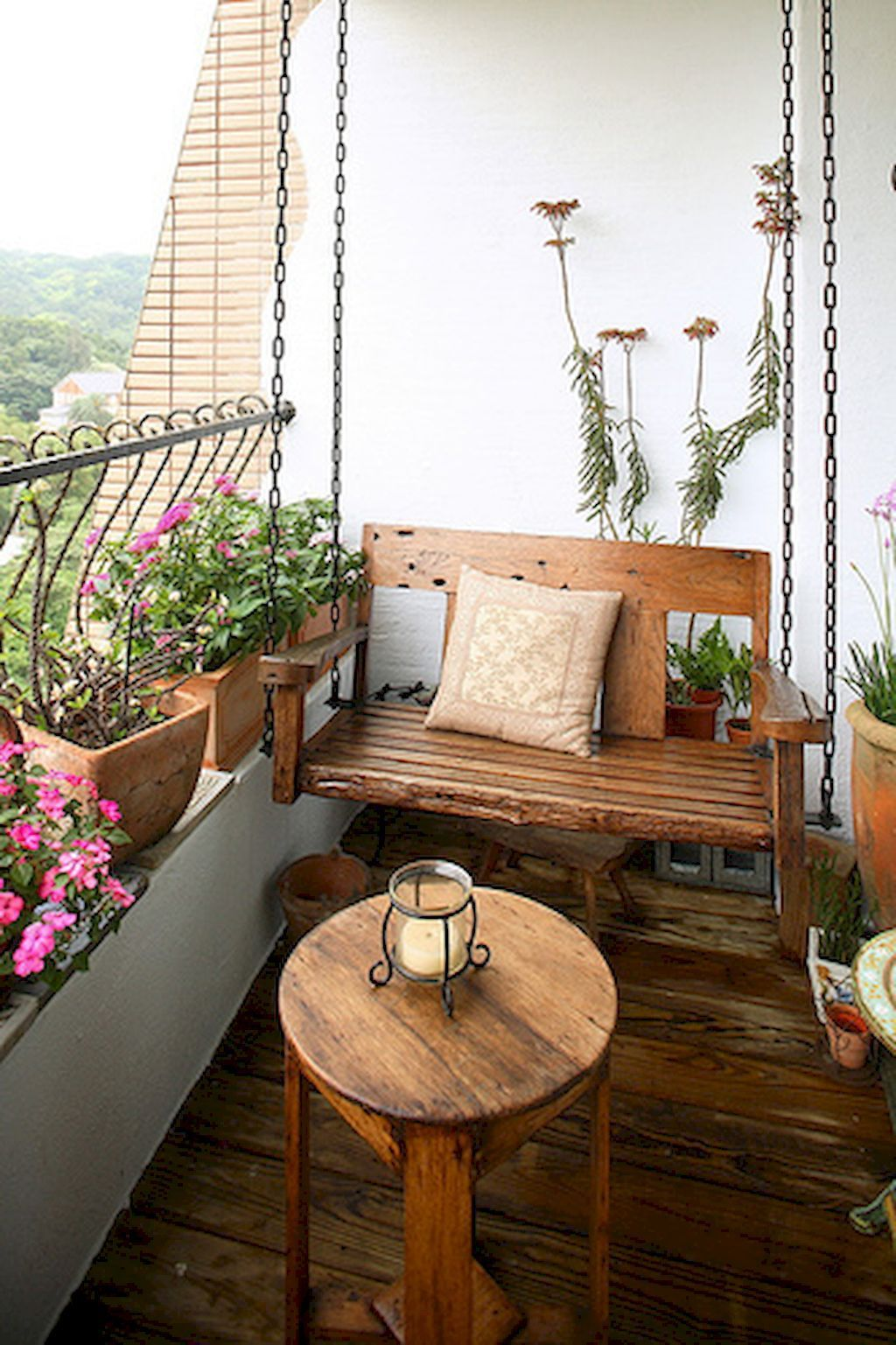 small apartment balcony furniture and decoration ideas (6) YLBJNDW