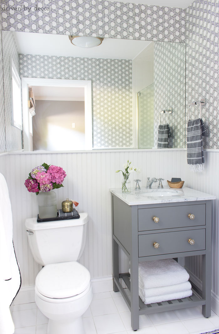 Ideas and inspiration for small bathroom embellishments for remodeling a small bathroom: gray washbasin with WASDZTH