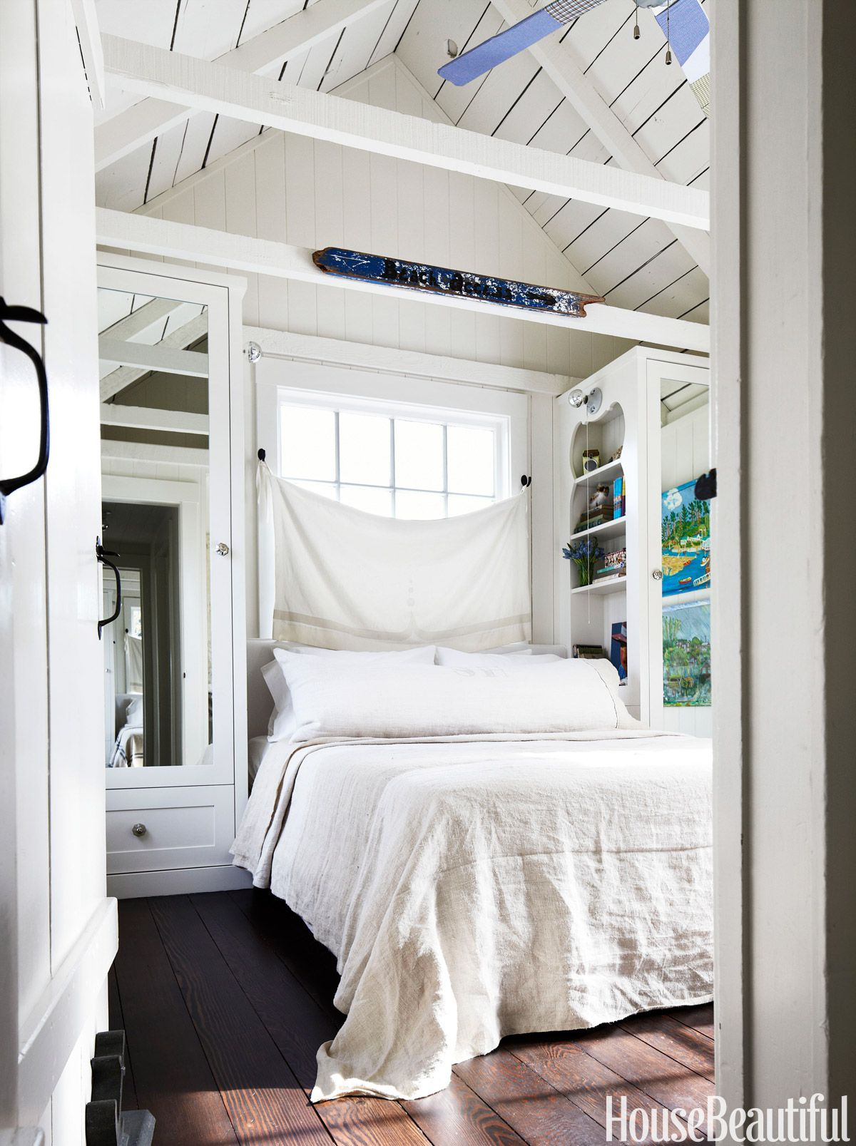 17 Small Bedroom Design Ideas - How To Decorate A Small Bedroom GVYJHXS