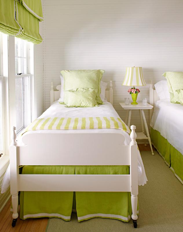 Small bedroom storage ideas + enlarge.  Werner Straube.  small bedroom storage PYLLUAX