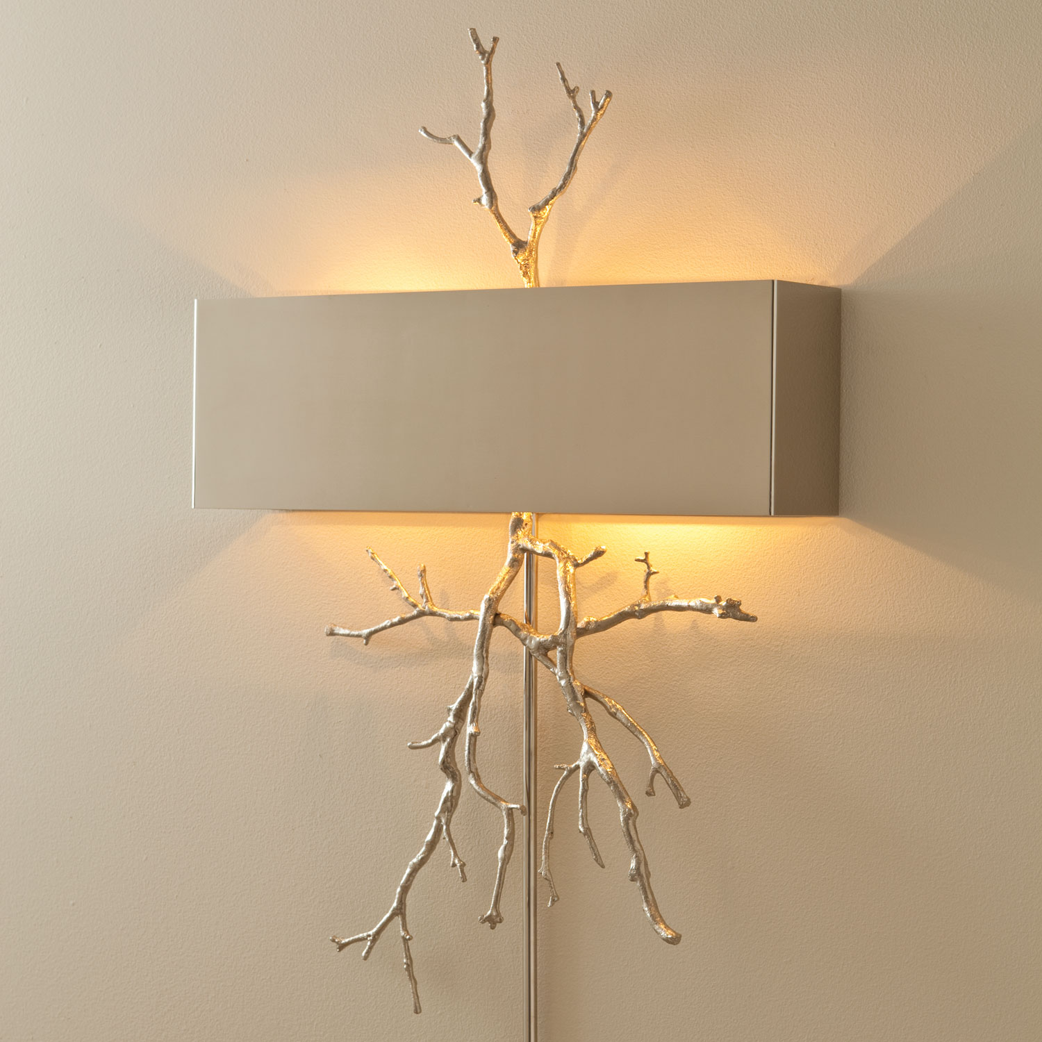 Wall lamp for zooming floating NQLRRBF