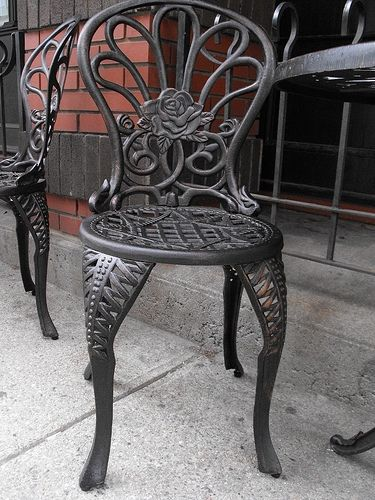wrought iron furniture how to freshen up antique wrought iron furniture ZMMOFRZ